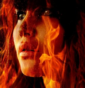 Girl-On-Fire-the-hunger-games-34996375-827-855
